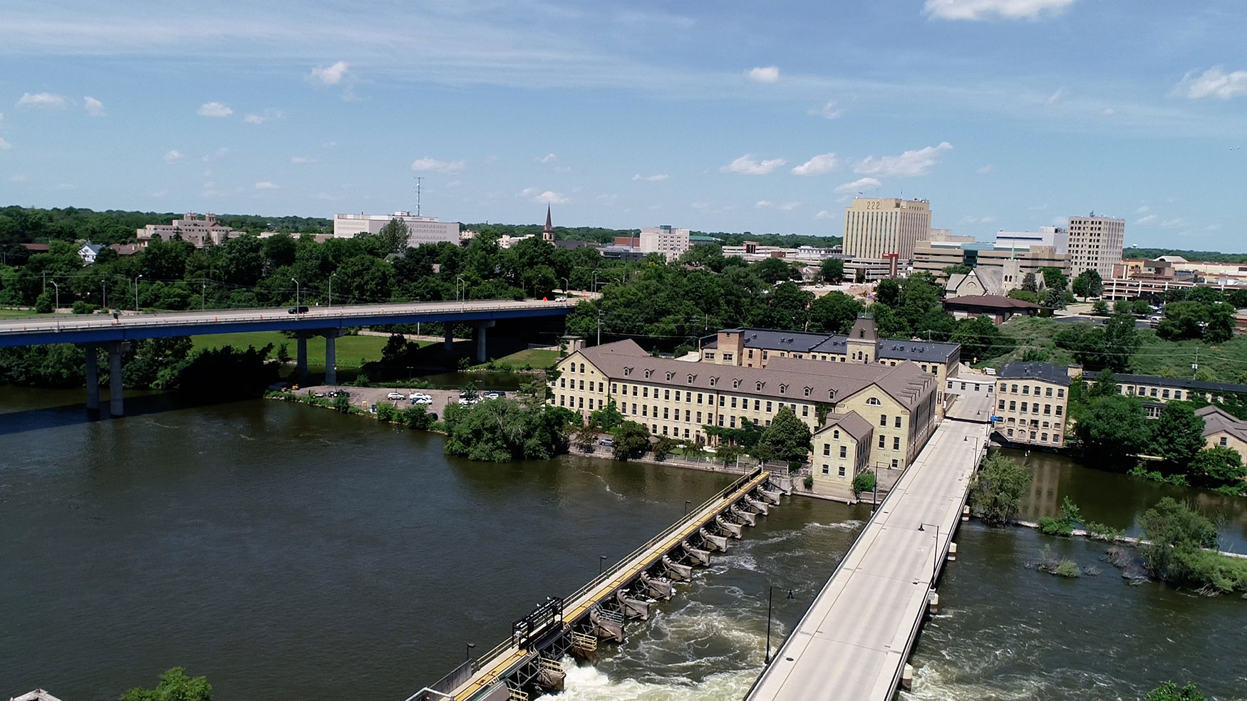 WI drone pilots, licensed & insured drone pilots,drone operators,WI drones,arial,aerial photographers